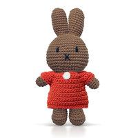 Nina handmade en haar rode jurk / Just Dutch