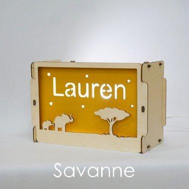 Houten BOX lamp Savanne (olifant) met naam / Het Houtlokael