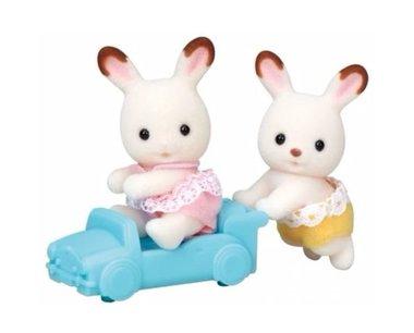 Tweeling Chocoladekonijn in speelgoedauto / Sylvanian Families