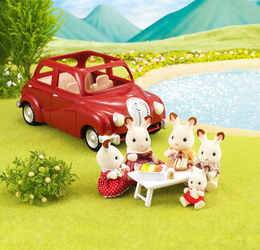 Family Cruising Car / Sylvanian Families