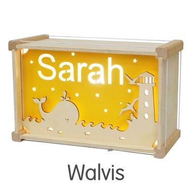 Houten DeLuxe lamp met naam: Walvis / Het Houtlokael