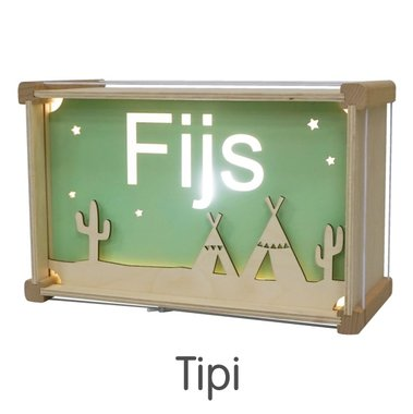 Houten DeLuxe lamp met naam: Tipi / Het Houtlokael
