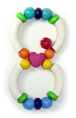 Houten rammelaar achtvormig hartje / Hess