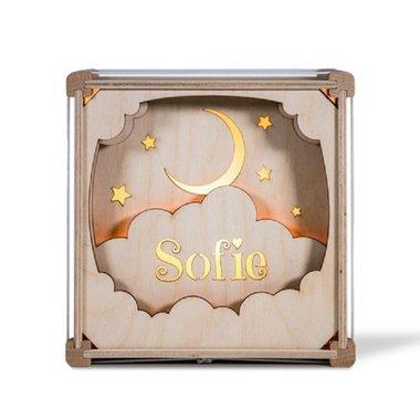 Houten lamp met naam: In de wolken / Het Houtlokael