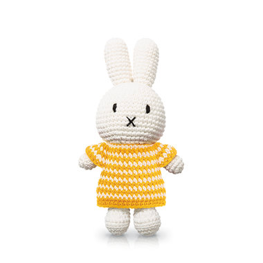 Nijntje handmade en haar gele streepjesjurk / Just Dutch