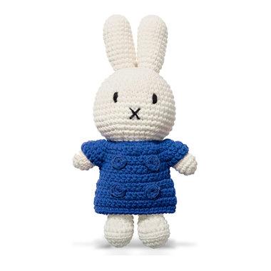 Nijntje handmade en haar blauwe jas / Just Dutch