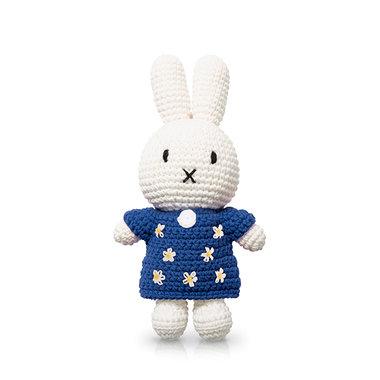 Nijntje handmade en haar blauwe bloemenjurk / Just Dutch