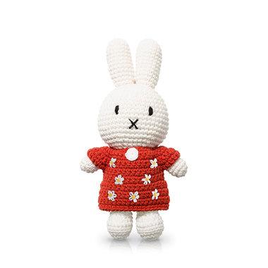 Nijntje handmade en haar rode bloemenjurk / Just Dutch