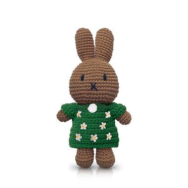 Nina handmade en haar groene bloemenjurk / Just Dutch