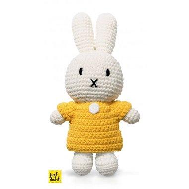 Nijntje handmade en haar gele jurk / Just Dutch