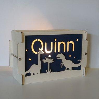 Houten BOX lamp Dino's met naam / Het Houtlokael