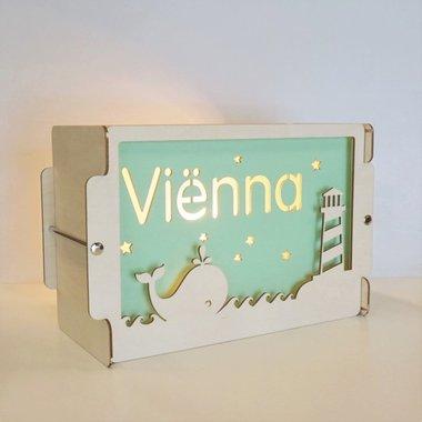 Houten BOX lamp Walvis met naam / Het Houtlokael