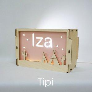 houten lamp tipi met eigen naam