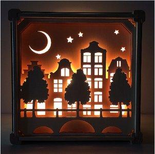 Houten lamp met grachtenpandjes